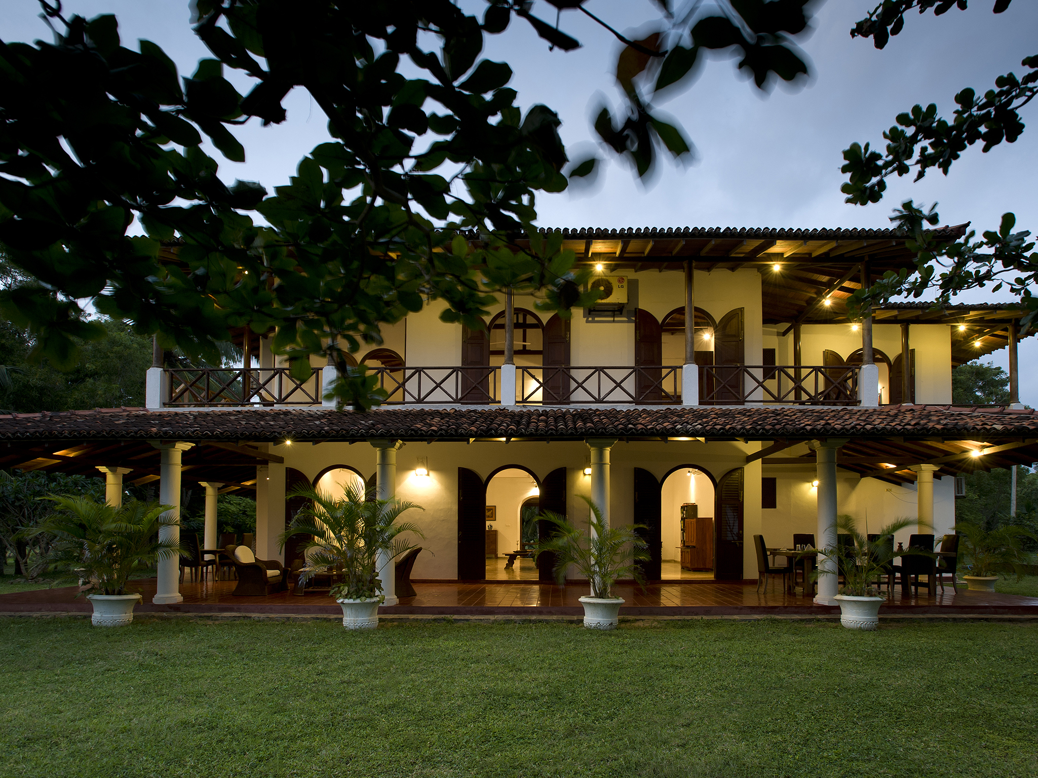 Ocean's Edge - The villa at dusk - Ocean's Edge, Tangalle, South Coast