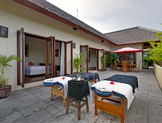 Villa Kalimaya I - Massage set up on upstair patio