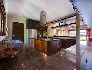 Villa Kalimaya - Kitchen
