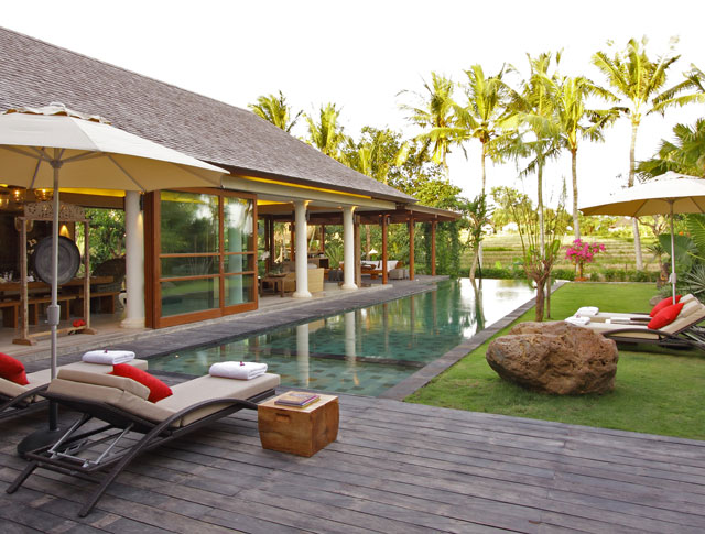 Dea Villas - Villa Sarasvati - Pool deck and gardens