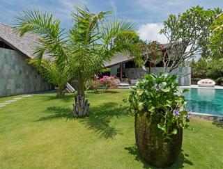The Layar - Villa 10 (3BR) - gardens
