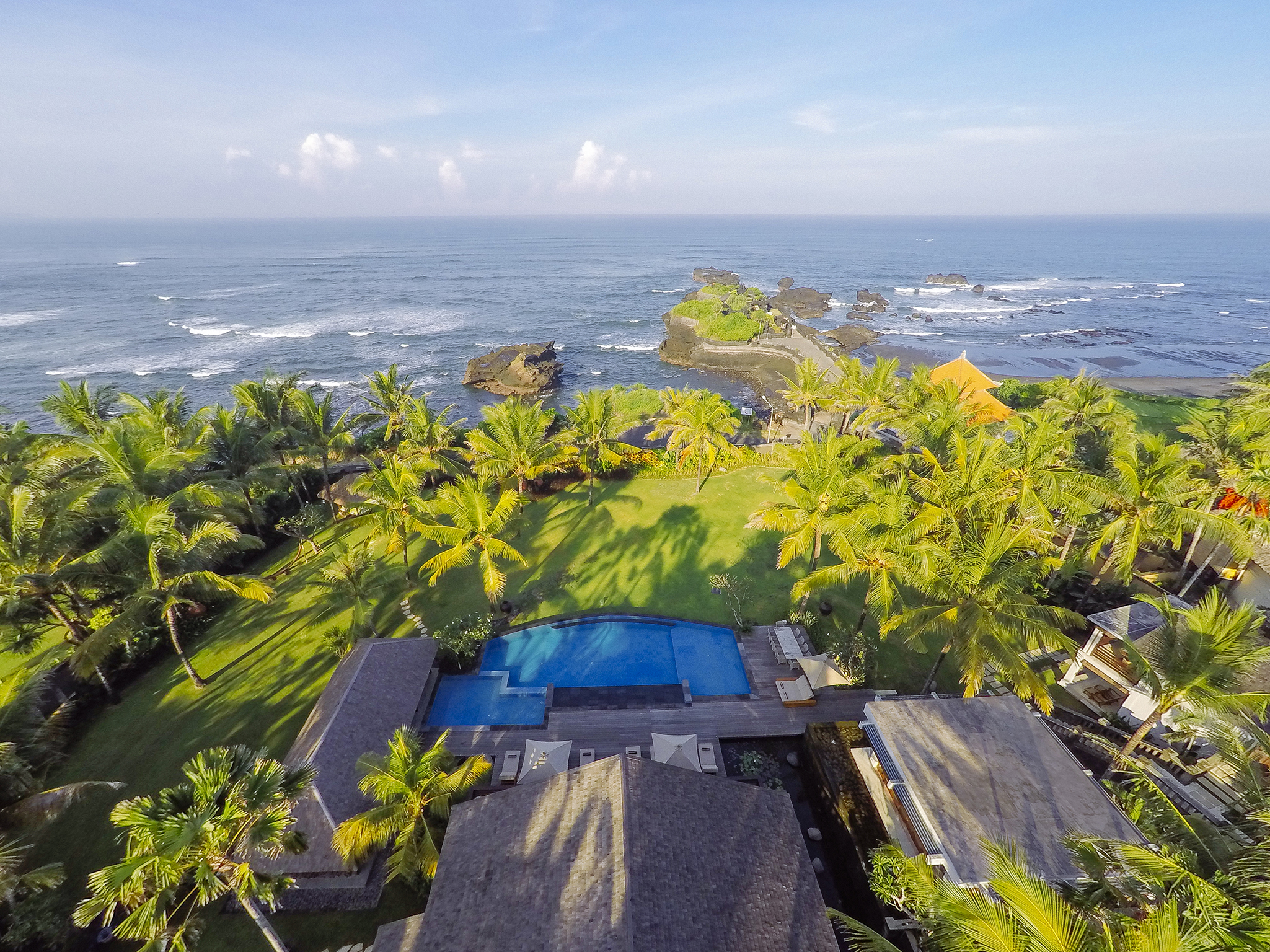 Villa Semarapura - Aerial - The villa, pool, gardens and sea - Villa Semarapura, Seseh-Tanah Lot, Bali