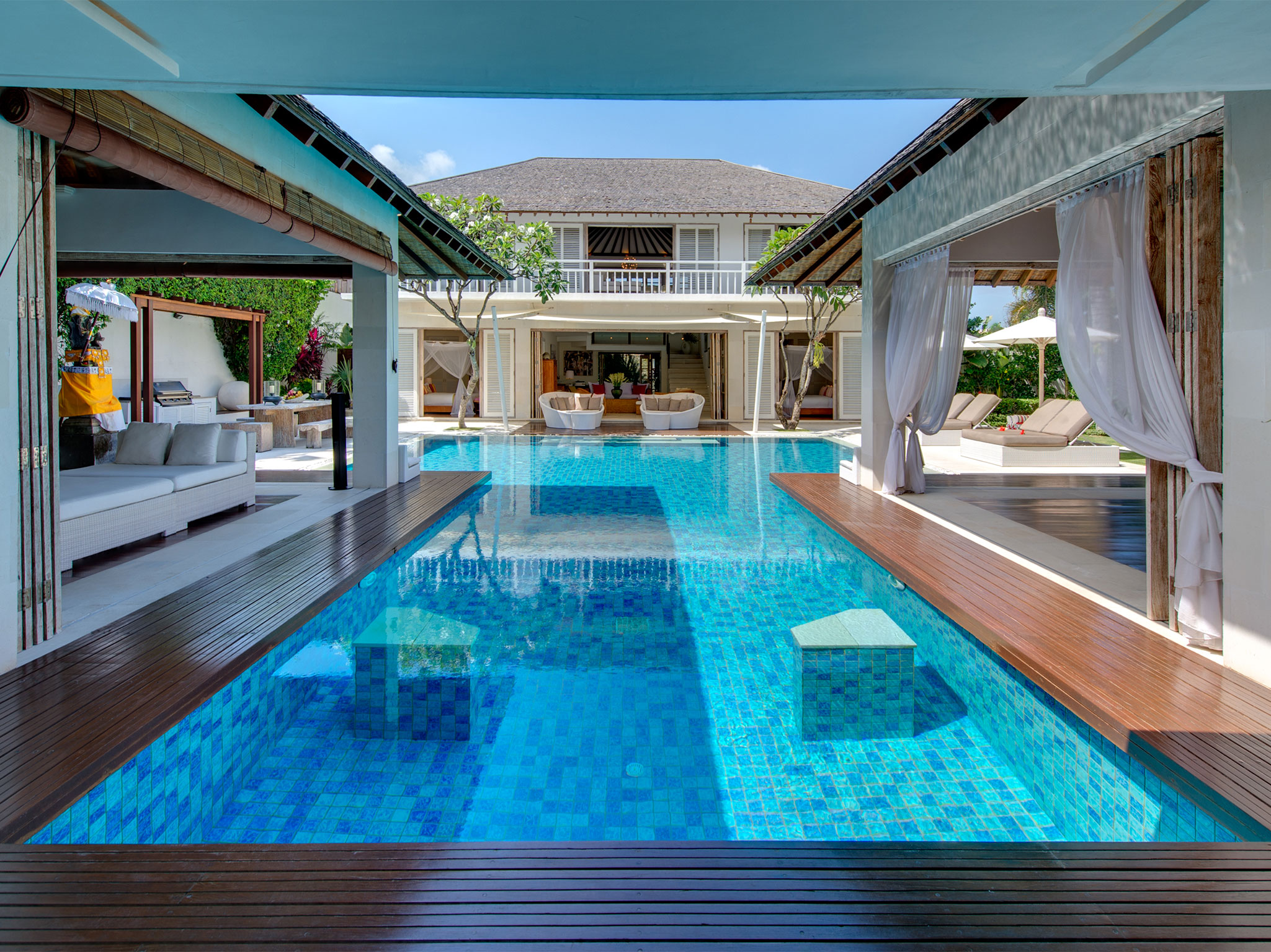 Villa jajaliluna an elite haven pictures reviews availability bali villas private and for Vacation rentals with private swimming pool