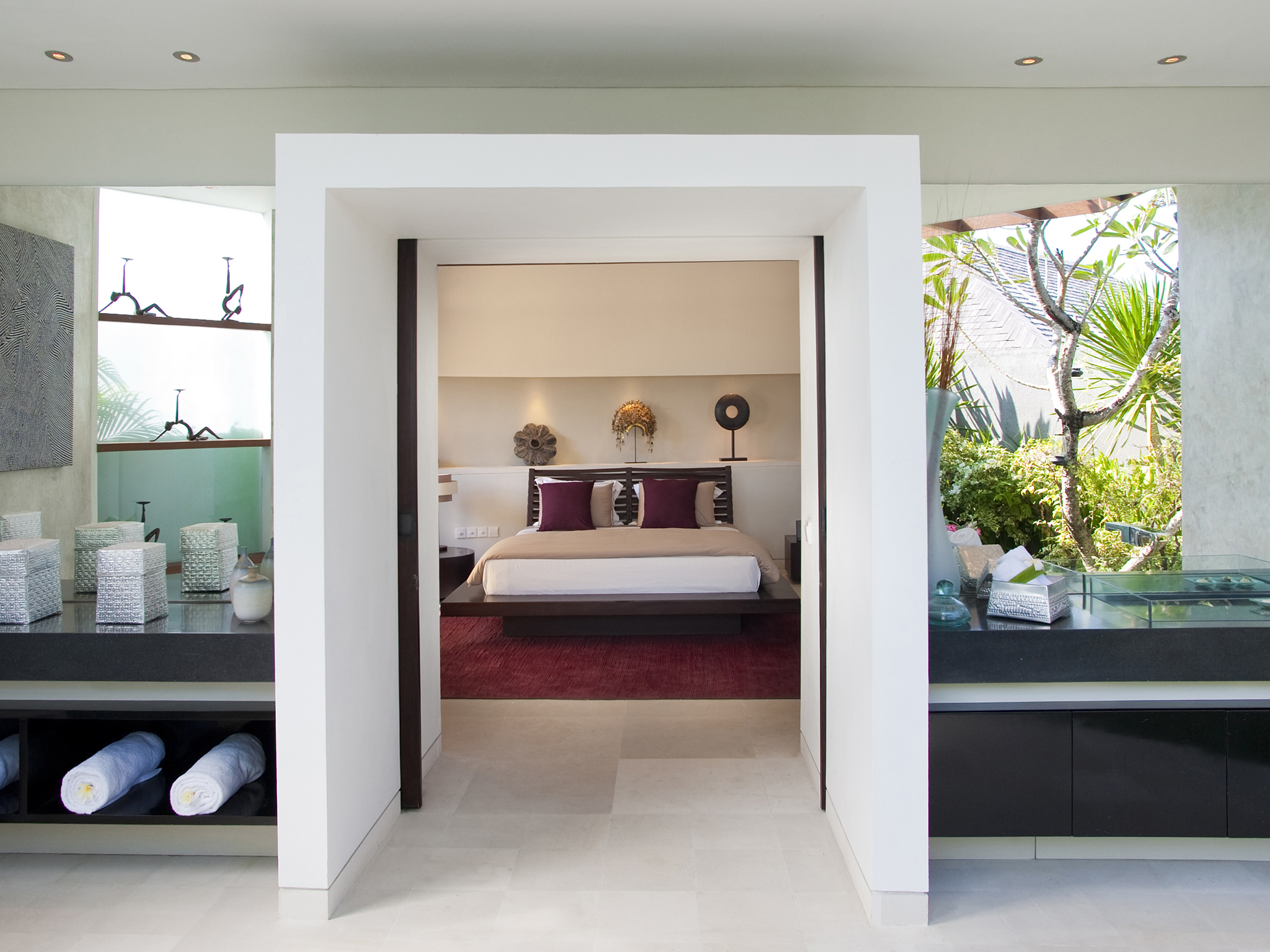 The Layar - 3 bedroom - Bedroom and bathroom - The Layar - Villa 12 (3BR), Seminyak, Bali
