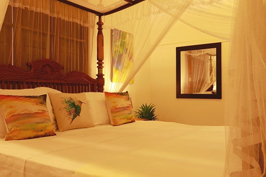 King - Master bedroom details - Six Degrees North, Ambalangoda, West Coast