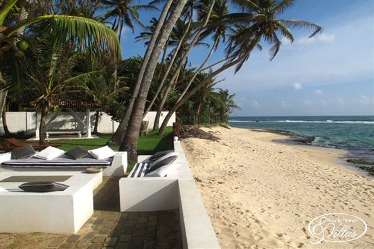 Lounge and Beach - Olanda Beach House, Talpe, South Coast